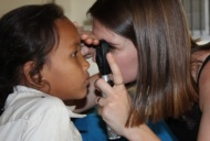 Pauline Ghesquier, 24 ans, opticienne : comment je contribue à la santé visuelle dans le monde