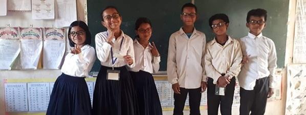 Les étudiants de l'ISO Lille en mission humanitaire au Cambodge avec Les yeux des écoliers